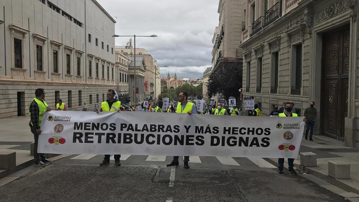 Solidaridad denuncia la vergonzosa subida de sueldo a los militares: 24 euros al mes